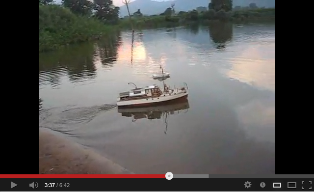mistral rc model boat on action