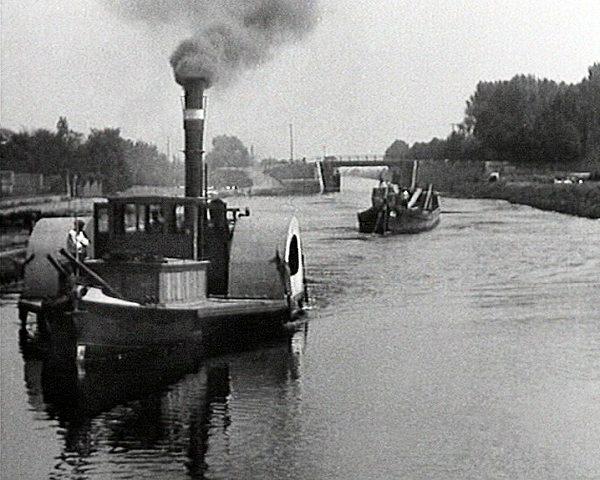 paddle steamer river tugboat lanna