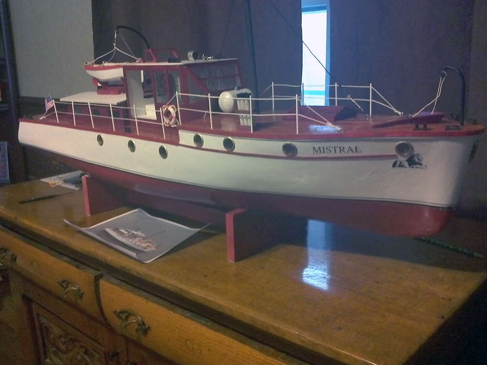 mistral motor boat scale model by Martin Richardson