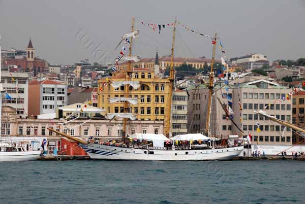 tall ships regatta in istanbul 2010 dewaruci