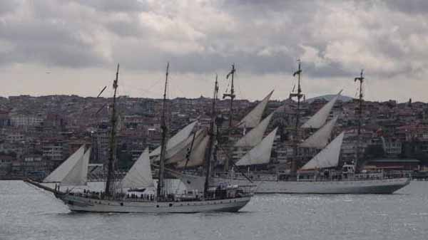kri dewaruci in Bosphorus model ship plans