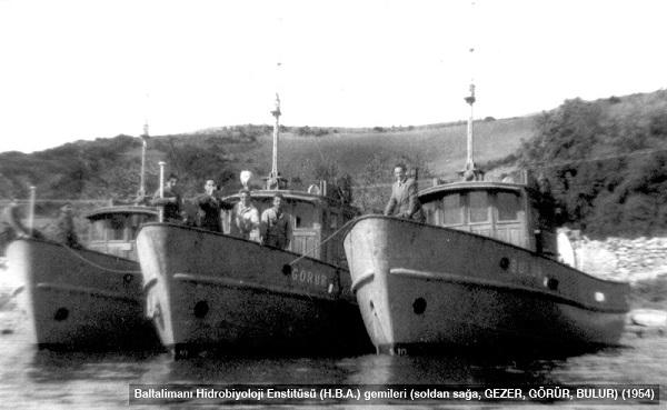 gezer görür bulur gemileri